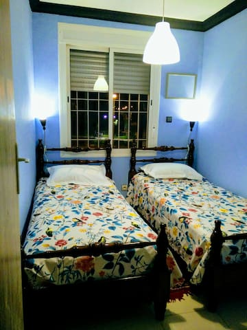 Chambre privée dans un coquet appartement