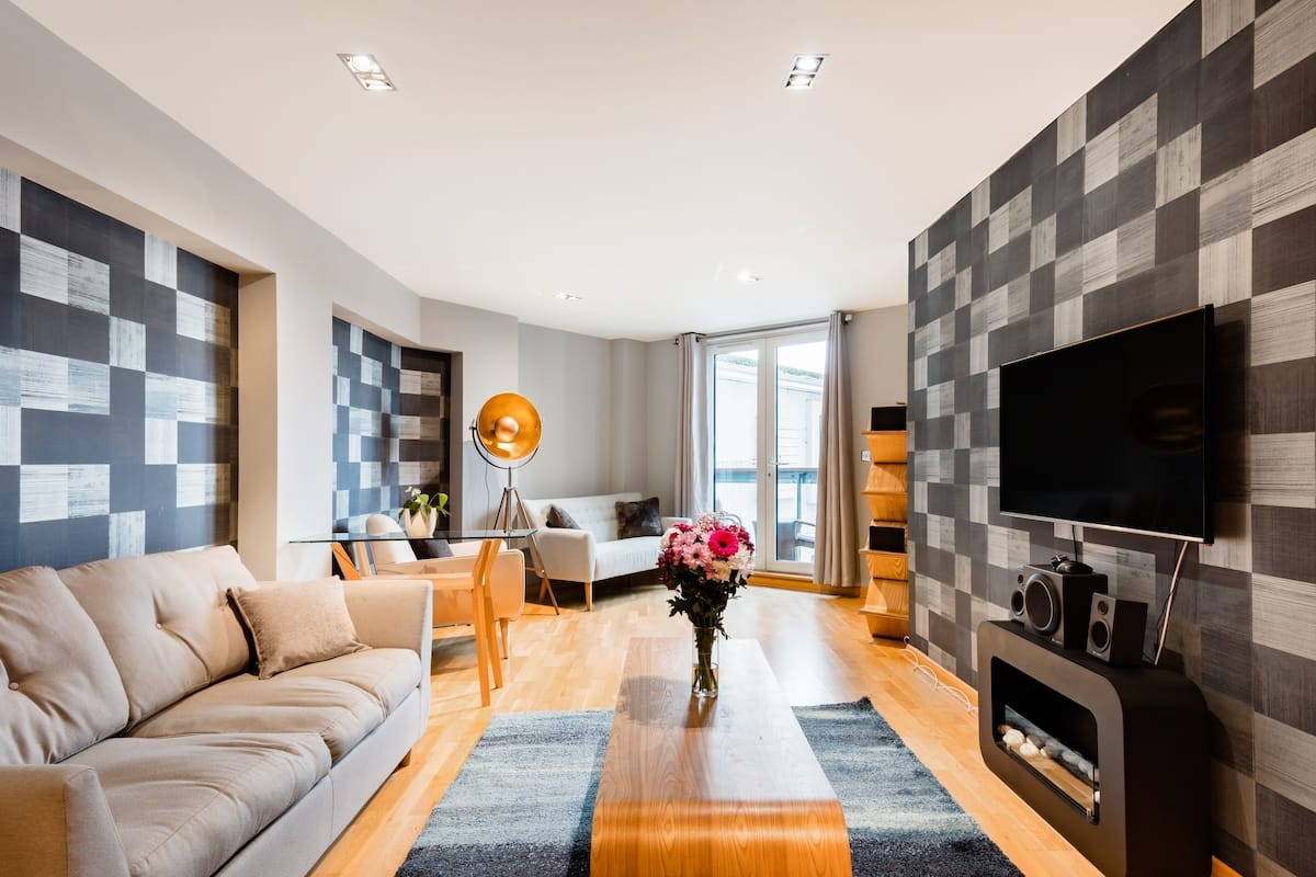 Cosmopolitan Apartment in Canary Wharf