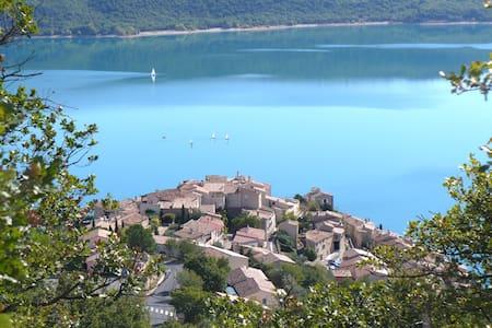 Sainte Croix du Verdon,  duplex,  front de lac - Sainte-Croix-du-Verdon - Talo