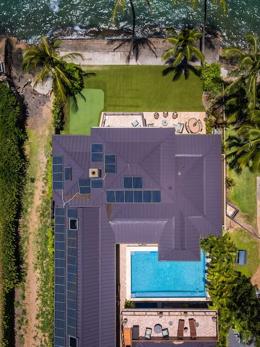 Drone photo shows off the size of the home. Notice the 10 X 40 Lanai overlooking the pool, perfect for sunbathing and stargazing at night.