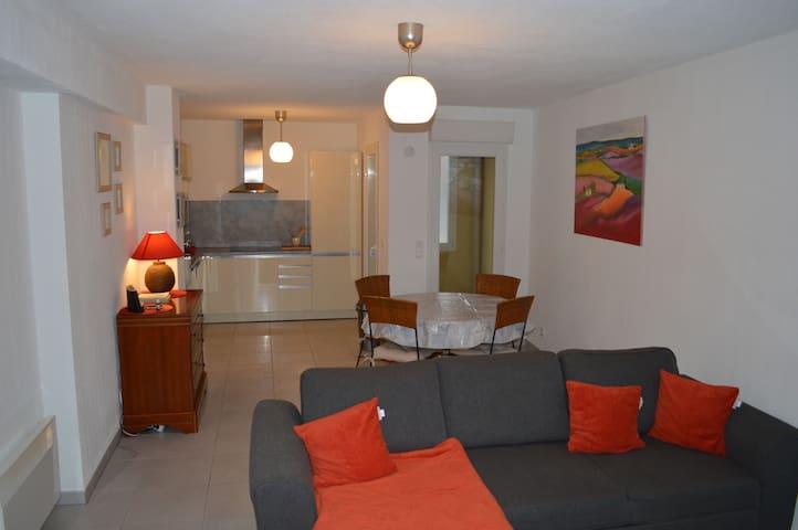 Appartement 3 pièces de 70m2 avec garage terrasse - Roquebrune-sur-Argens - Apartamento