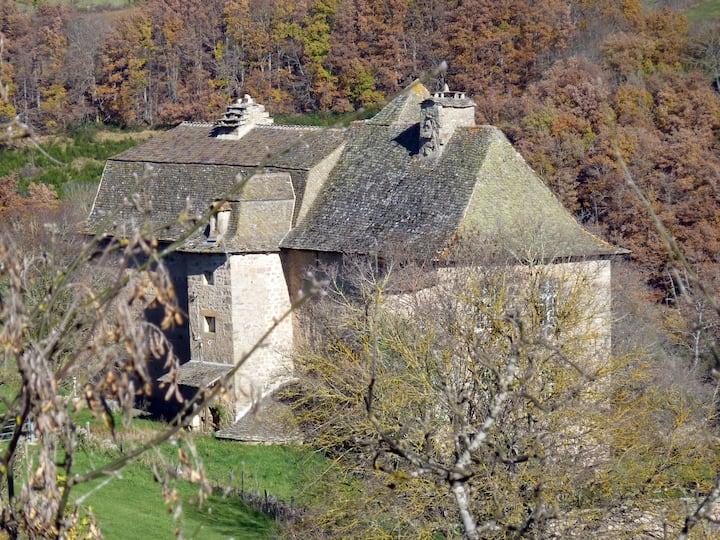 Appartement dans ferme fortifiée du XVIIème