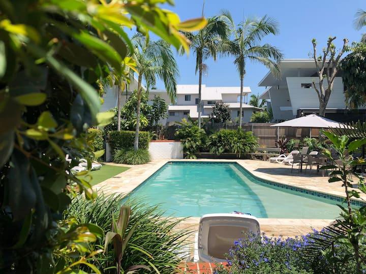 Mata Hari - Heated pool 400m CBD 350m beach, WiFi