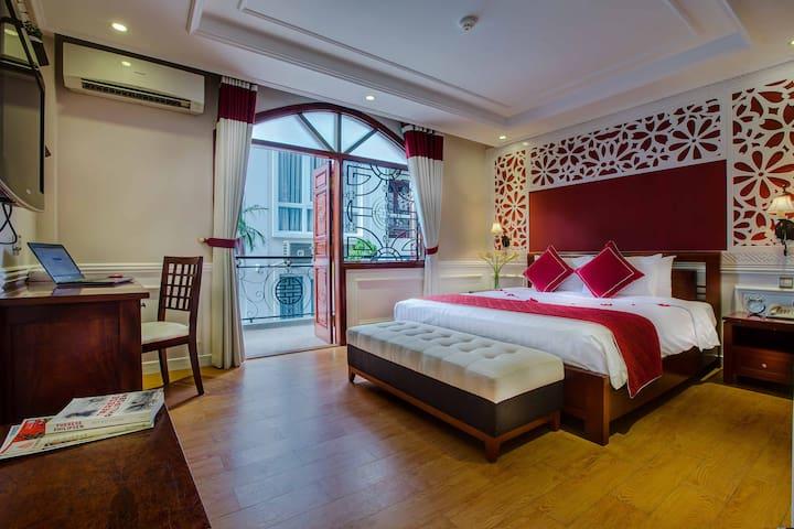 La Beaute Hanoi Hotel - Balcony Room - Hanoi (Ha Noi) - Bed & Breakfast