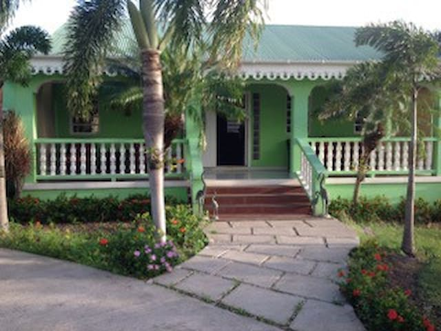 Sunrise Garden Villa
