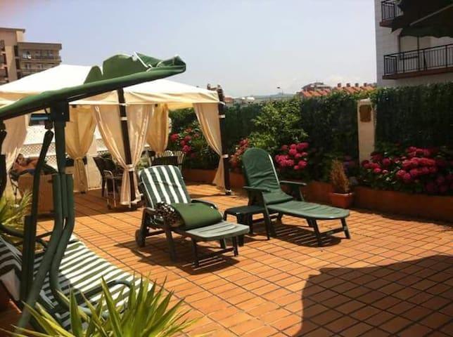 Apartamento con gran terraza junto a la playa - Laredo - Appartement