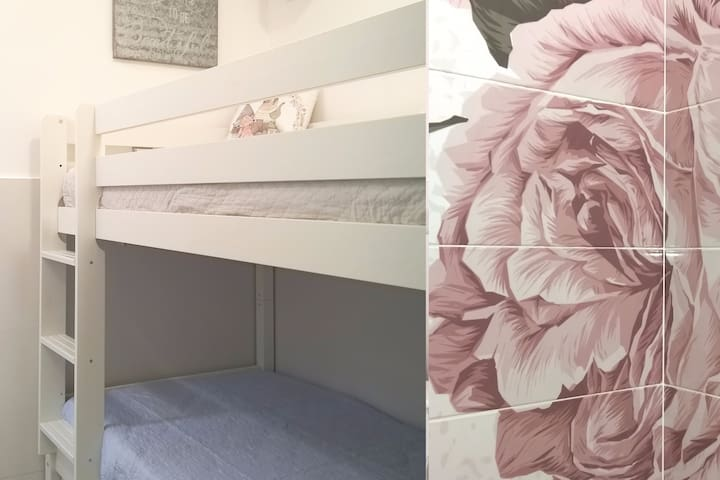 MadridinthePink - WHITE Room. Habitación Litera
