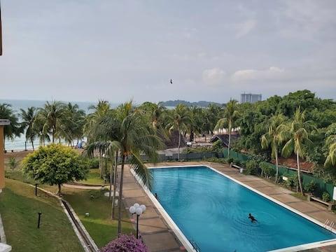 Nat's beach & pool view home, Teluk Kemang