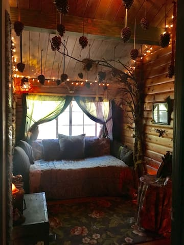 Tiny Enchanted Forest Bedroom - South Lake Tahoe - Kulübe