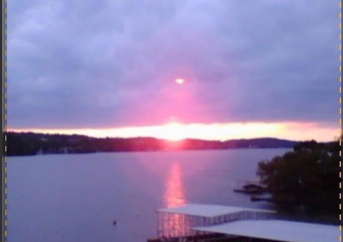 Lake of the Ozarks's Vacation Condo