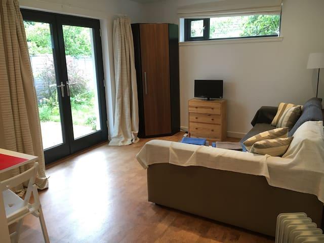 Modern Studio Flat - Stonehaven - Apartment