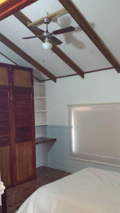 Roof fan of bedroom