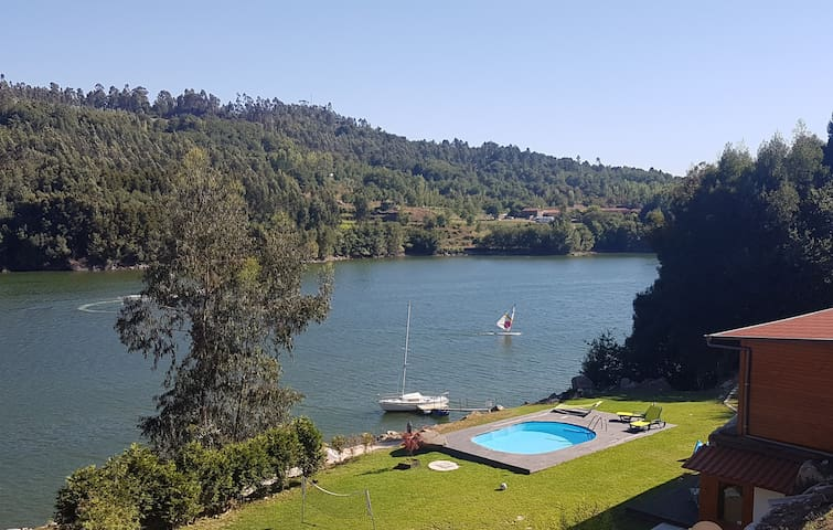 Casa do Rio, the river and the beach at your door.