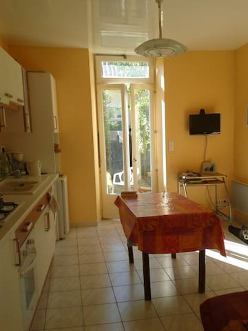 Millau son pont, ses courses ..... - Millau - Appartement