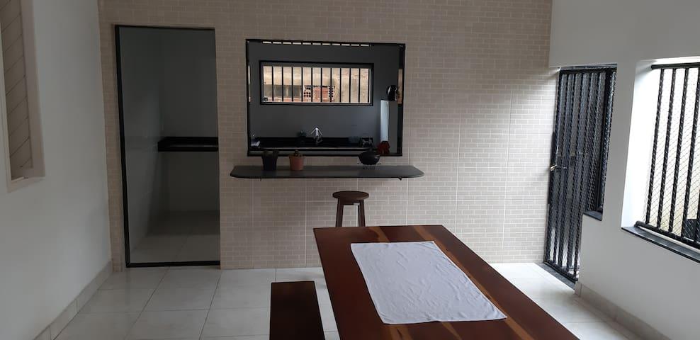 Casa Confortável  (INTEIRA)  Bairro Araçá