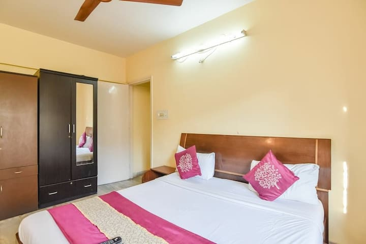 Cozy AC room1 in Service apt at Marol, Andheri E