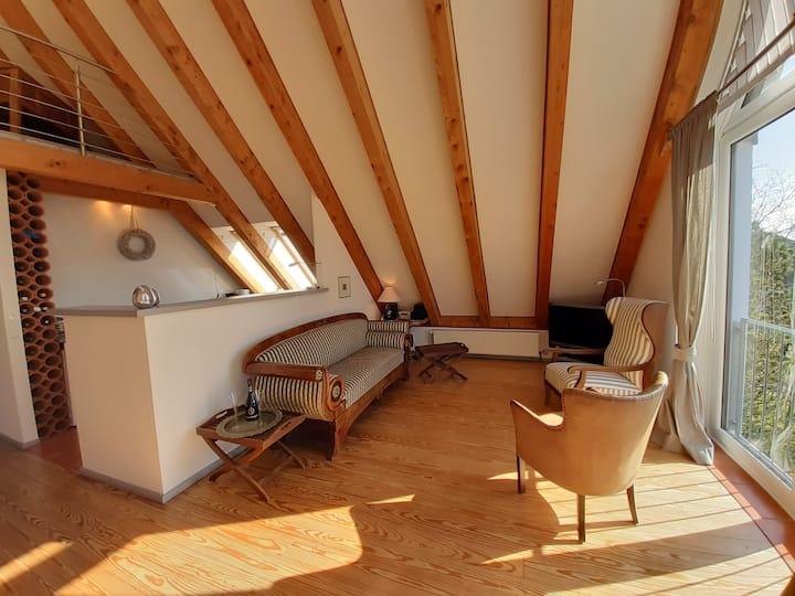 100 qm Wohnung mit besonderem Flair und Garten