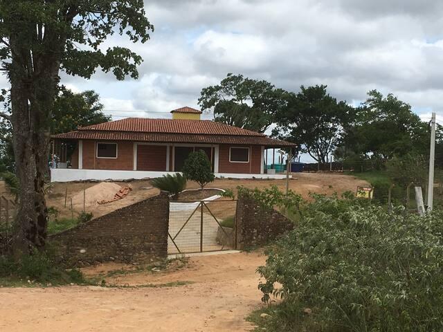 Chácara à 70 km dos Cânios  e 500 m do Santuário.
