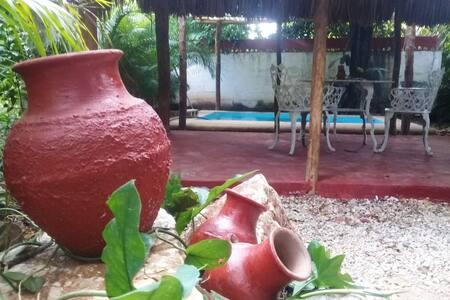 Casa Candil: un rincón verde, acogedor y privado