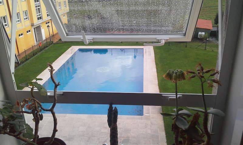 Apartamento en campo con piscina - Bertamiráns - Condo