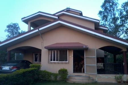Iyer's Paradise - Independent Bungalow with Garden