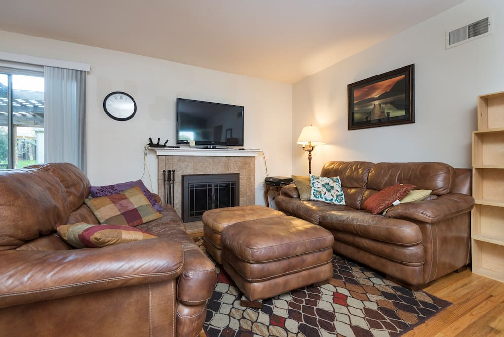 Comfortable couches, TV, and wireless printer