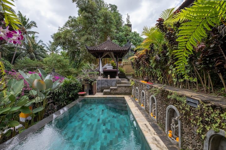 Kelinci 3 One bedroom villa with Pool, AC,and view