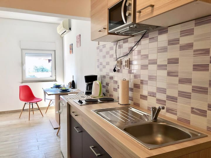 Holiday apartments Banjole / Sea view apartment for 2 persons
