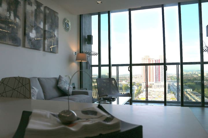 1BR - The Square @ One City