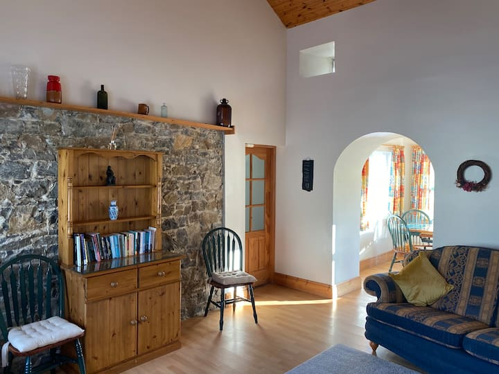 The Coach House, idyllic cosy natural gas heating.
