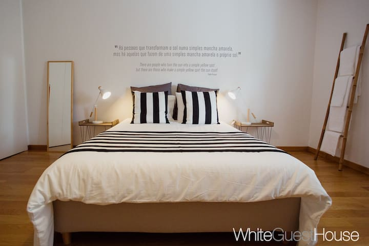 White Guest House - Picasso Room (Double)
