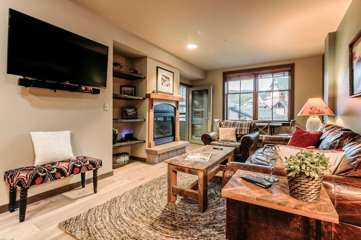High End 2Bd Townhome @ The Base   Walk To Slopes   Hot Tubs + More!