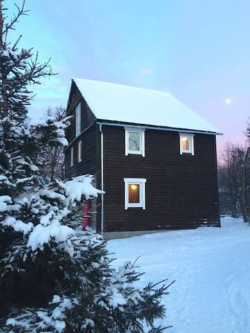 Gornolyznaya Izba - Strekovo