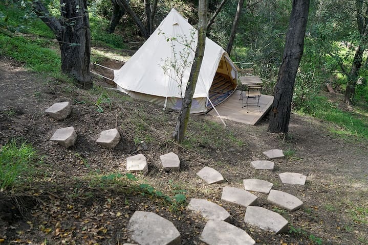Charming off grid eco friendly Tipi in Topanga