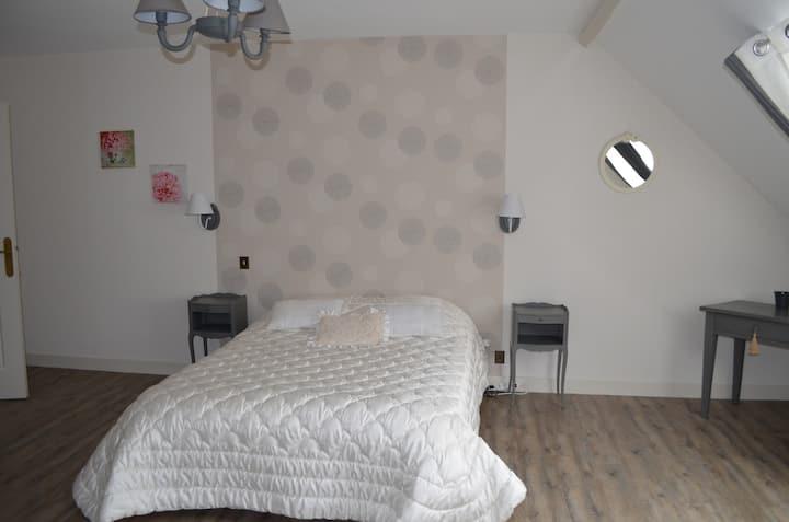 Chambre dans belle maison Dompierre/Besbre