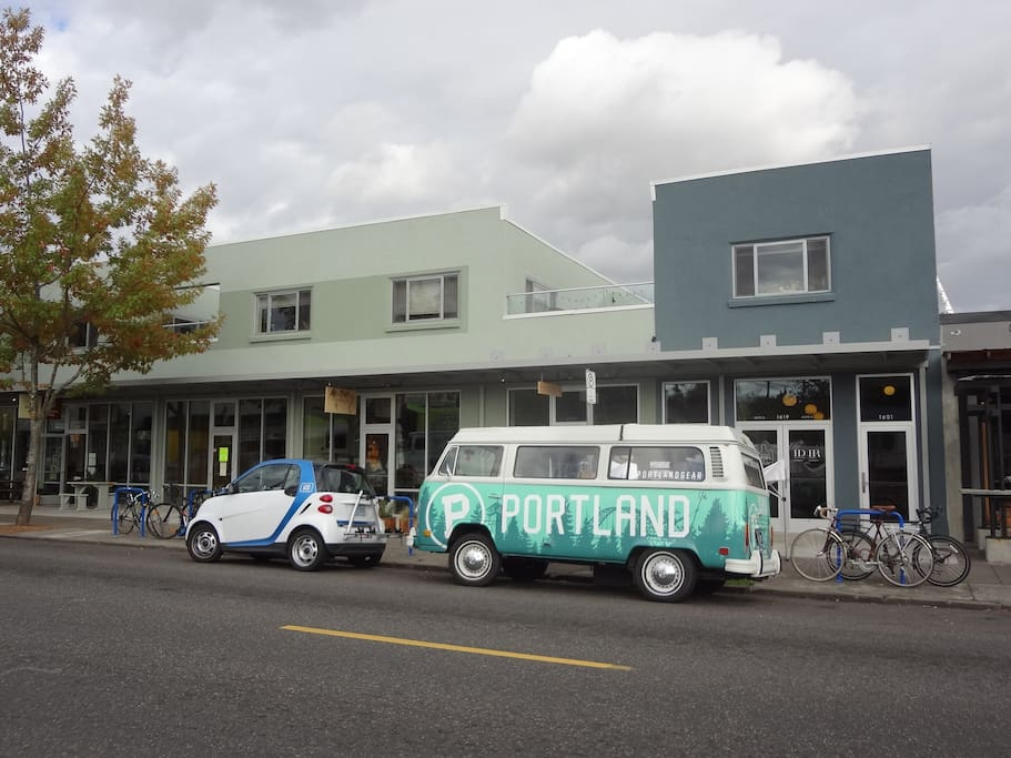 Grab an empty growler and fill it up across the street at the bottle shop. Or visit Podnah's Barbecue, Handsome Pizza/Seastar Bakery, Le Taq (Mexican), Tea Shop...