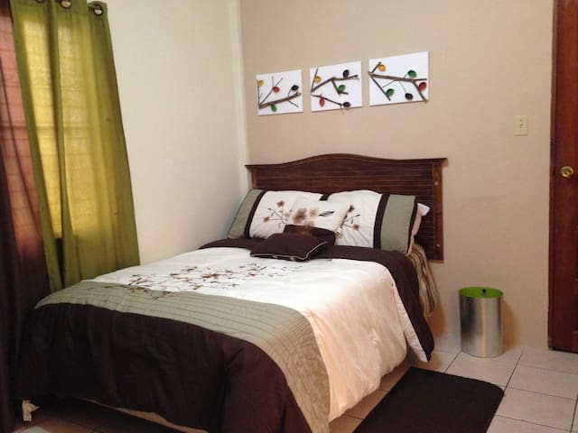 City Retreat - Belize City - Apartment
