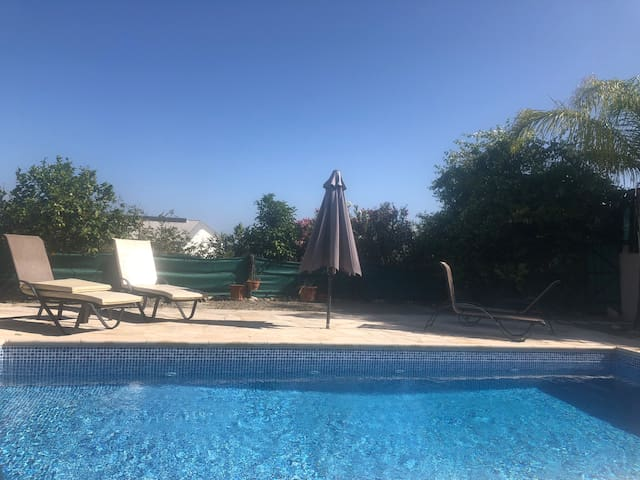 3 bedroom flat with large patio & private pool.