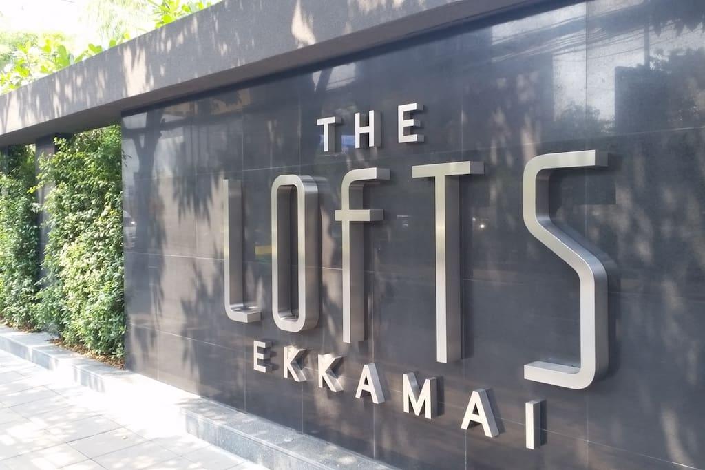 Entering the premises, 5min walk from Ekkamai BTS Station