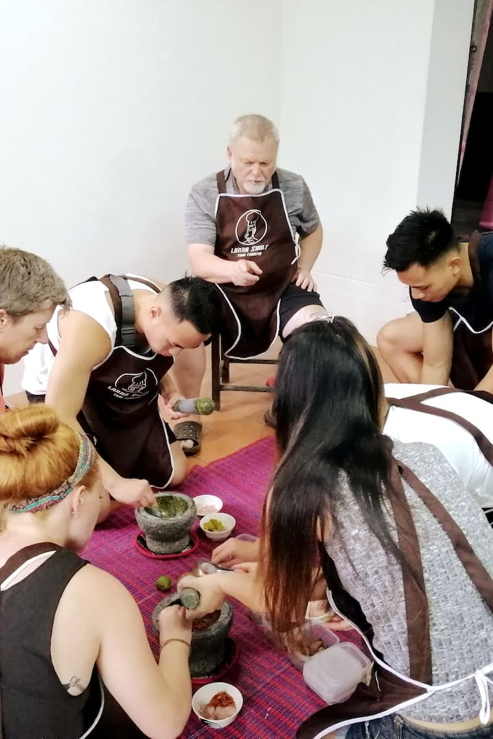 Team work for curry paste