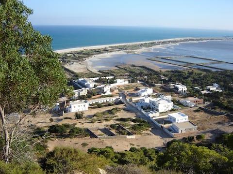 La maison des Lys des sables entre colline et mer