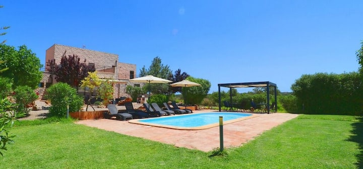 M4V4440 Finca bei Campos mit Pool; 6 max. 8 Pers.