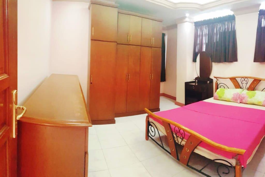 AC Private Room with en suite Bathroom