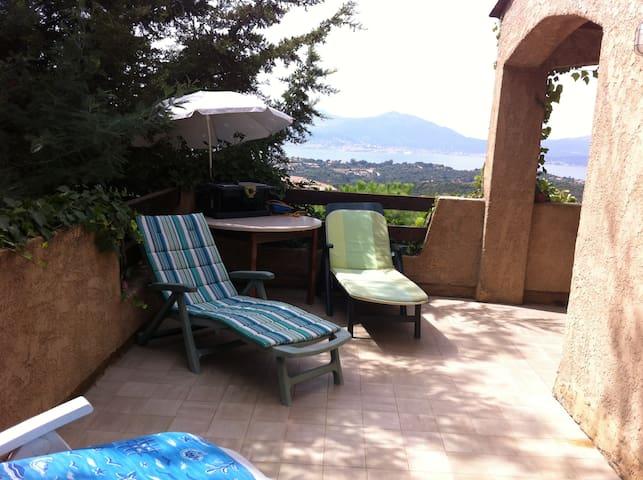 Vue panoramique sur le golfe d'Ajaccio - Albitreccia - Rumah