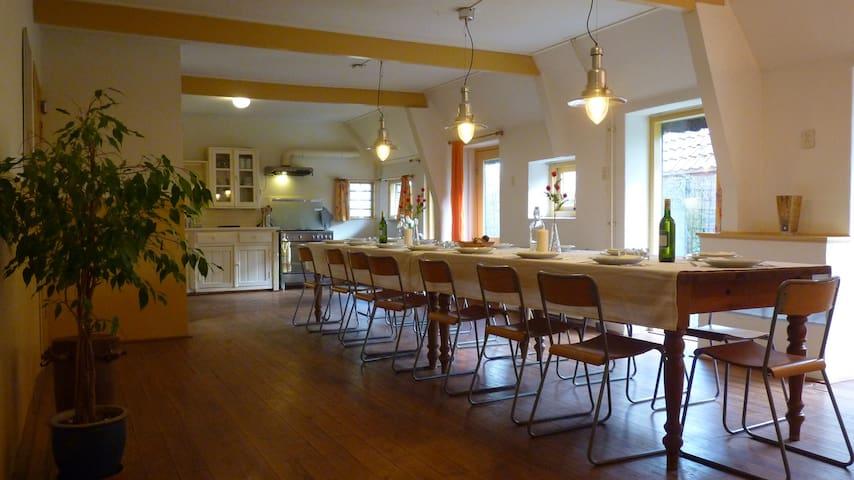 18 p. accommodatie Onze Boerderij - Wapse - Huis
