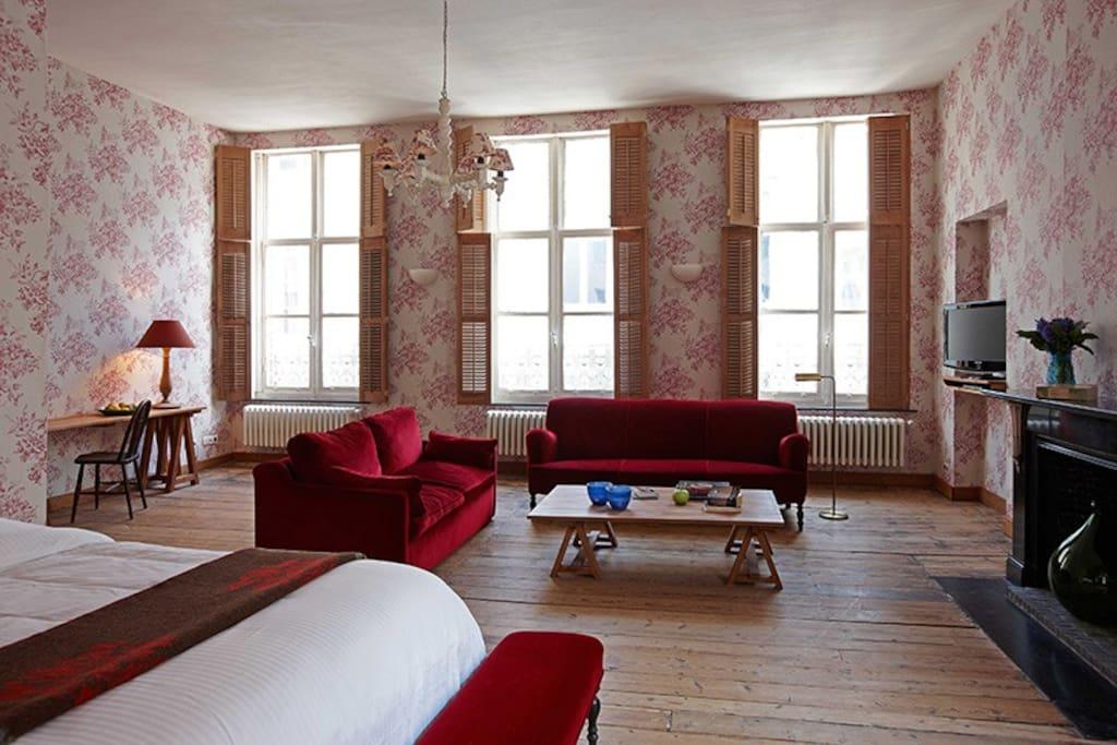 Red suite chambres d 39 h tes louer bruges vlaanderen for Chambre d hotes bruges