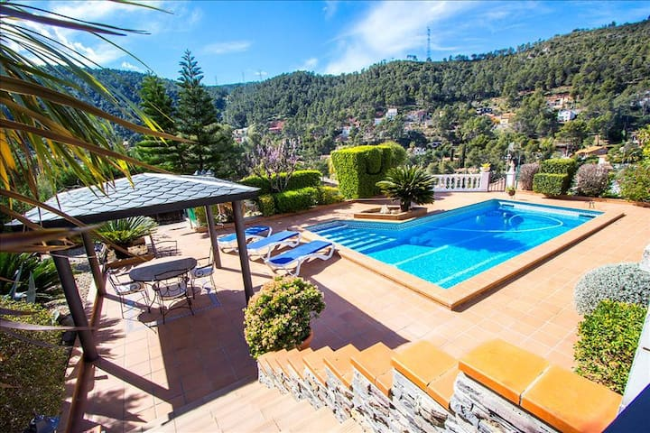 Catalunya Casas: Beautiful mountain villa in Torrelles with private pool, 15km from Barcelona