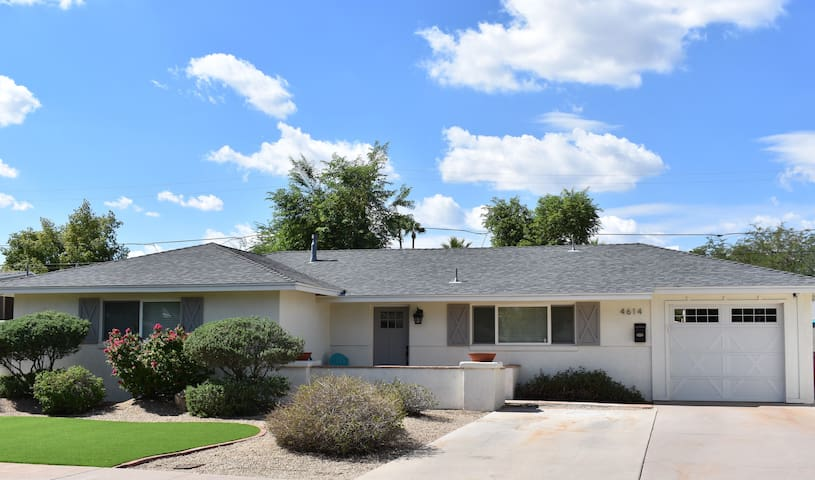 NEW! Walk to OLD TOWN SCOTTSDALE! Scottsdale GEM!