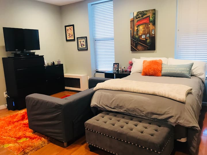 1 bedroom with 3 beds in Times Sq/Fashion district