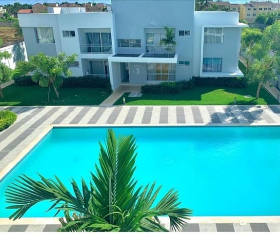 """NEW Beach Residence """"G-44"""". WHITE SAND."""
